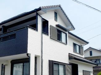 外壁・屋根リフォーム 明るくモダンな色合いの外観