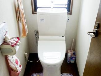 トイレリフォーム お手入れラクラク、清潔なトイレへ