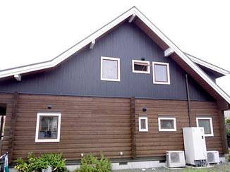 外壁・屋根リフォーム 低予算でかっこいいログハウスへ変身